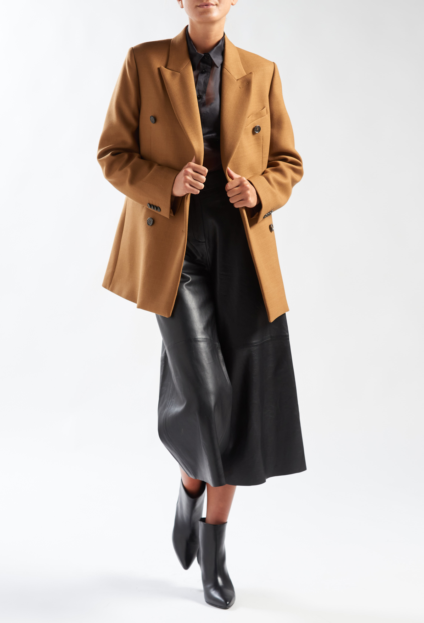 Strong Woman - Look 1