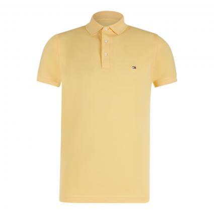 Slim-Fit Poloshirt mit Label-Stickerei  gelb (ZFF YELLOW) | XL