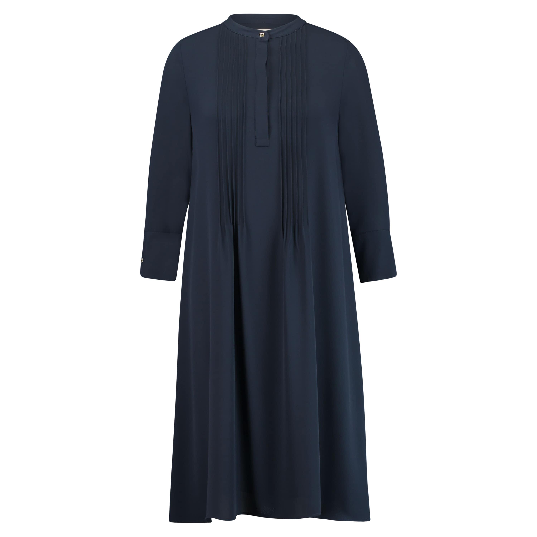 Rich & Royal Fließendes Kleid mit Plissee-Details | KONEN